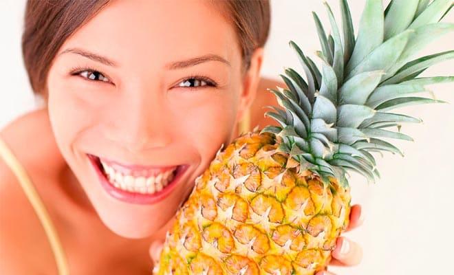 Маска для лица с ананасом